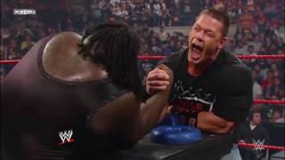 John Cena vs Mark Henry vật tay và cái kết....!