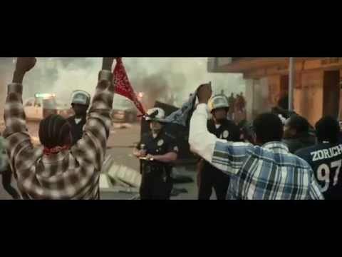 Gangsterský snímek Straight Outta Compton [Official Trailer] 2015 | Shawty.cz