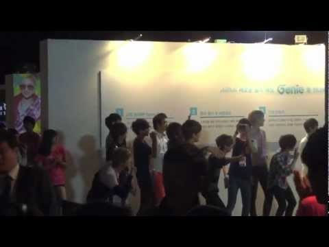 EXO at the S.M.Art Exhibition at COEX Mall! 120812 (Part 3)