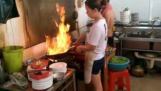 Amazing Chinese cooking skills/惊人的中国烹饪技巧