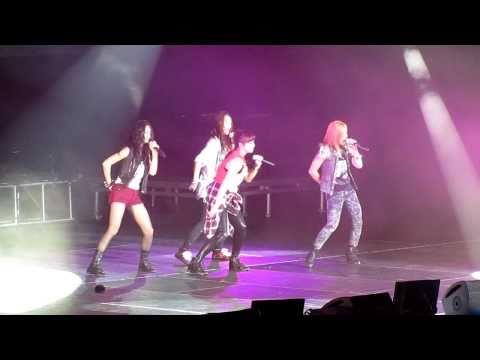 ƒ(x) - Chu featuring SHINee's Minho - SMTown LA