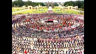 6,000 students practice for longest yoga chain at Mysore P..