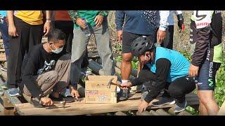 Ketua DPRD Kudus Ikut Nukang Bikin Jembatan