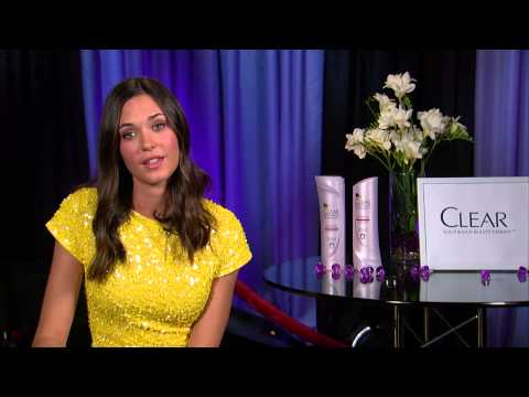 Interview: Odette Annable - YouTube