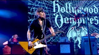 Hollywood Vampires - The Boogieman Surprise Live (Official Video)