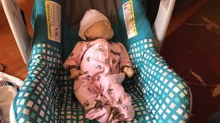 How to put a baby in the car seat the correct way