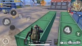 When you play with your NOOB friend 😄😄