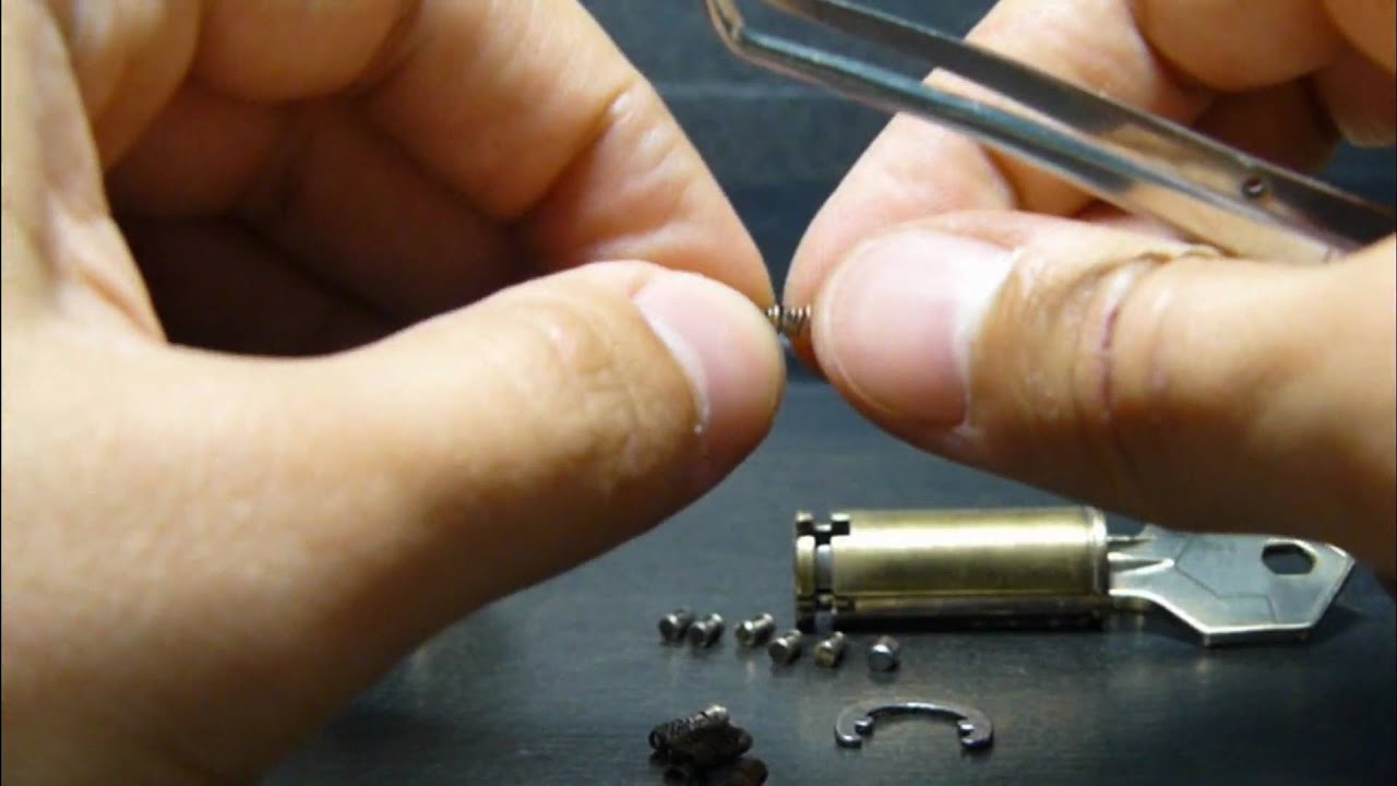 How To Disassemble Cylinder Lock Yale 6 Pins Youtube