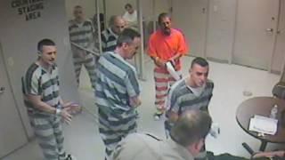Zatvorenici su provalili vrata ćelije, ali NIKO nije mogao da vjeruje šta su zatim uradili!
