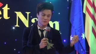 Mười Năm Yêu Em , ca sĩ Huỳnh Phi Tiễn .