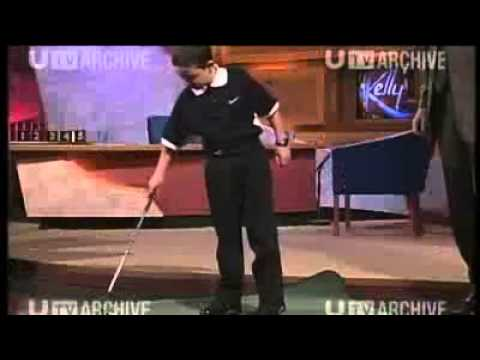 Rory McIlroy de niño, en un programa de TV