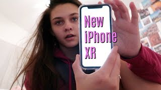 The girls have their new iPhone XR's! Master bathroom and closet tour!