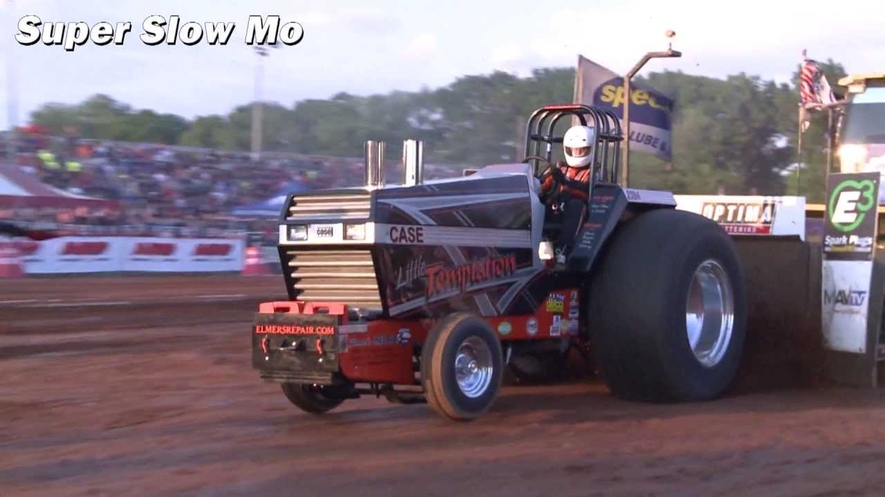 "Tractor Pulling Slow Mo Recap 2013: ""Little Temptation"" Light Super Stock - Smashpipe Autos"