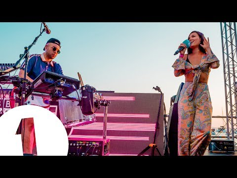 Jax Jones feat. Sinead Harnett - Breathe - Radio 1 in Ibiza 2018 - Café Mambo