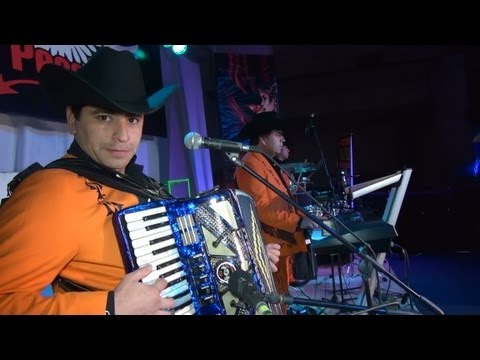 LOS CHARROS DE LUCHITO Y RAFAEL - ANDO DE BORRACHERA - EN VIVO - CUMBRE RANCHERA -VIDEO OFICIAL