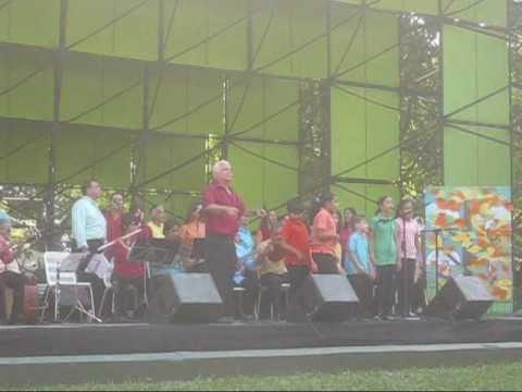 Popurri de Aguinaldos y Canciones Navideñas en la Concha Acustica de Valencia