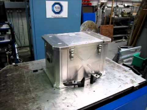 AEPP-3 vibration test of Extreme Cases Lockdown Aluminium container