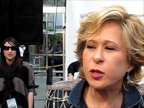 Interview with Yeardley Smith (The voice of Lisa Simpson) - Allie Is ...