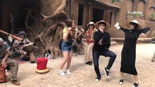 Hari Won nhảy điệu dân tộc cùng mẹ chồng, em chồng và Trấn Thành