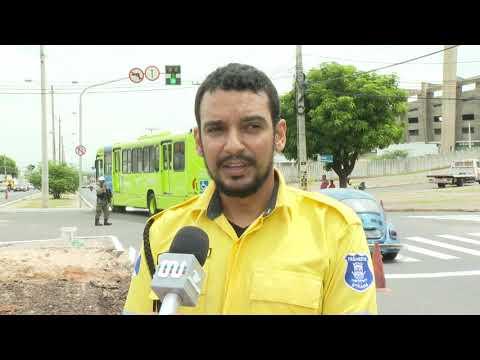 Trânsito muda cruzamento da Avenida Gil Martins