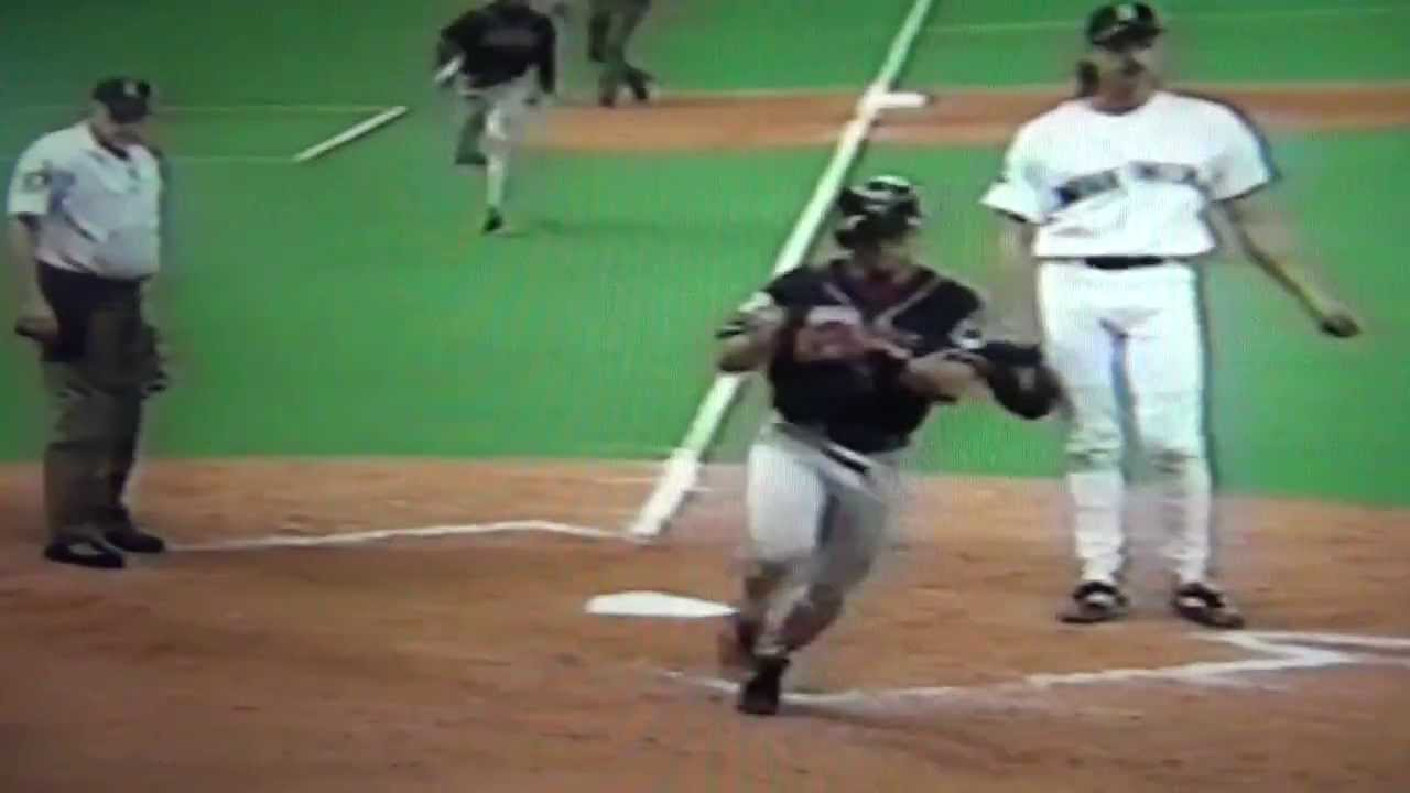 Kenny lofton steals home from second base in dating. lee sang yoon ku hye sun dating.
