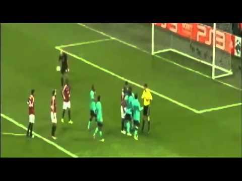 Tình huống sút Penalty siêu hài và phải nhận thẻ của Messi