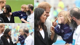 Little boy touched Meghan's hair & his adorable reaction when Harry told him off