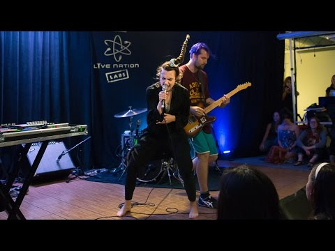 Mø - Walk This Way (Live From Live Nation Labs)