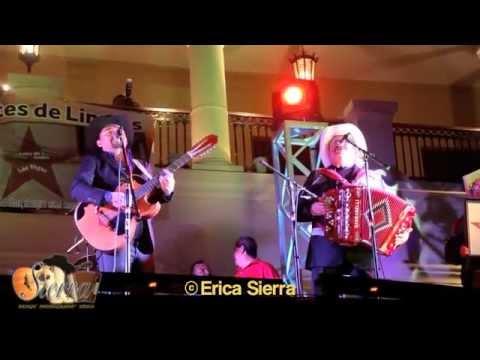 (EL ASESINO y LOS DOS AMIGOS).Con LUPE y SANTIAGO en El Palacio Municipal de Linares, Nuevo Leon.MX