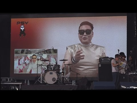 k-pop  - PSY makes a cameo at the London Korean Festival 2015. 런던 한인 축제  Part 3