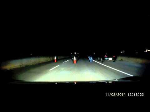 Морничава ноќна блокада на патот како во хорор филмовите
