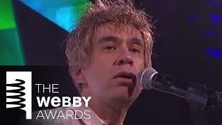 Fred Armisen performs as Ian Rubbish and the Bizzaros
