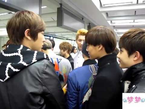 [Fancam] 121129 EXO @ Hong Kong International Airport