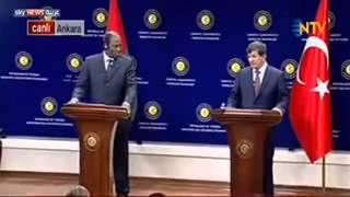 وفاة ... دبلوماسي إفريقي كبير في مؤتمر صحفي مباشر مع وزير الخارجية التركي داود أوغلو على الهواء مباش
