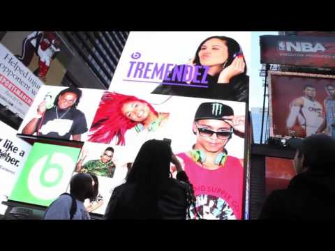 Beats by Dre Times Square Takeover : Aerva Pic2Screen