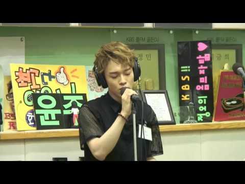 엑소(EXO) 첸(CHEN) LIVE 그녀를 사랑해줘요 (하동균 곡) @130802 유인나의 볼륨을 높여요