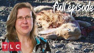 Vickie Serves Roadkill for Dinner! | Extreme Cheapskates (Full Episode)