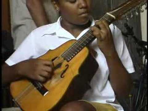 Learn to play Cuban Music, the Cuban Laud & Son Montuno