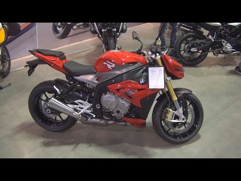 BMW Motorrad S 1000 R (2016) Exterior and Interior in 3D