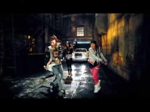 2NE1 - FIRE(Street Ver.) M/V