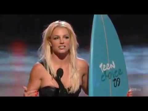 Baixar Britney Spears ignoring Miley Cyrus hug