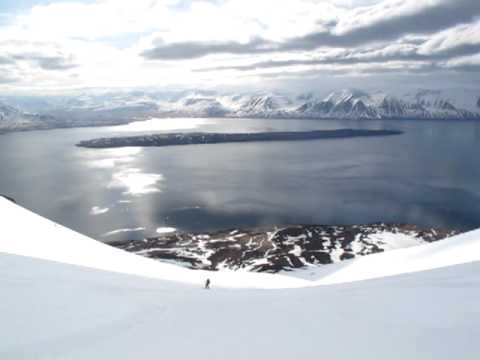 Iceland ocean view heli-skiing with Arctic Heli Skiing