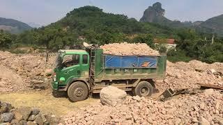Xe ben Howo 2 chân 9,4 tấn chạy công trường- LH: 0979 036 360