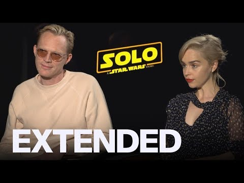 Paul Bettany Ribs Emilia Clarke For Her Bad Chewbacca Impression | EXTENDED