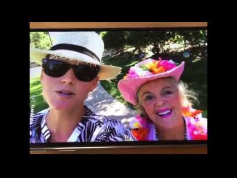 Katy Perry takes a 'selfie' with Dr. Patricia Bragg at the Bragg Organic Farm