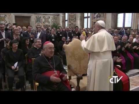 Udienza Movimenti e nuove comunità con Papa Francesco e saluto con Chiara Amirante