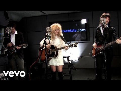 The Band Perry - Hip To My Heart (Live From CBS/2010)