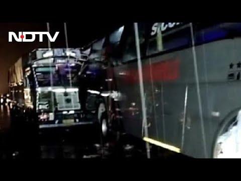 Uttar Pradesh News: 18 Sleeping On Road Dead As Truck Hits Bus In Uttar Pradesh