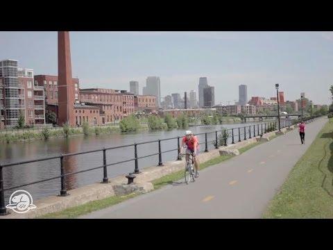 The Lachine Canal in the Heart of Montréal (CNW Group/Agence Parcs Canada - Unité des voies navigables)