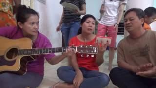 Hat bolero voi tieng dan guitar nu _ Mrs Ngoan